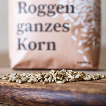 Biohof May Bio-Roggen ganzes Korn 1 kg