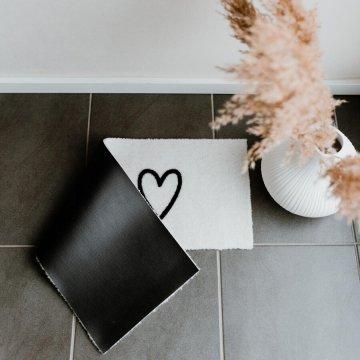 Eulenschnitt kleine Fußmatte 3 Herzen creme schwarz...
